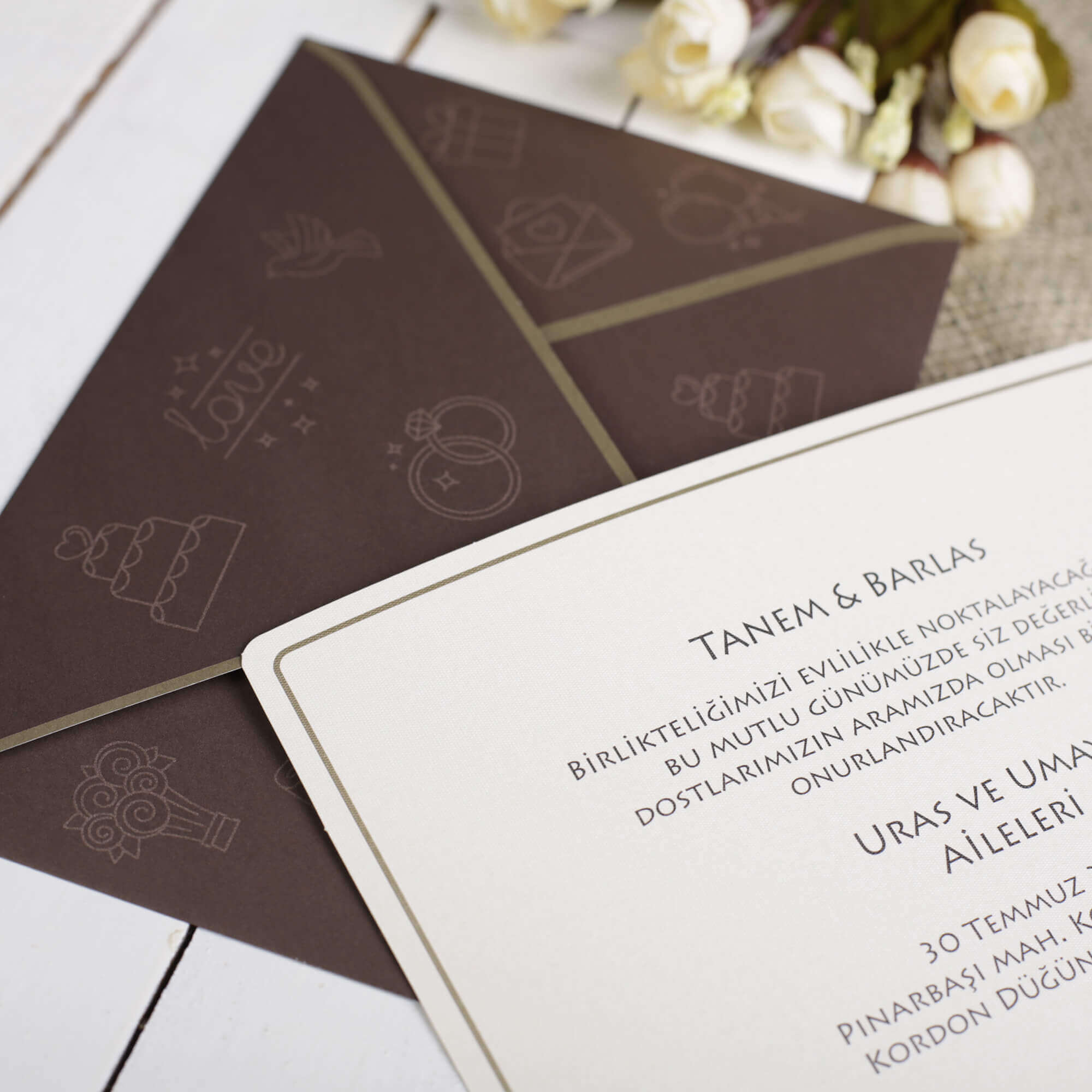 Değişik-Düğün-Davetiyesi-Modelleri-10281-2